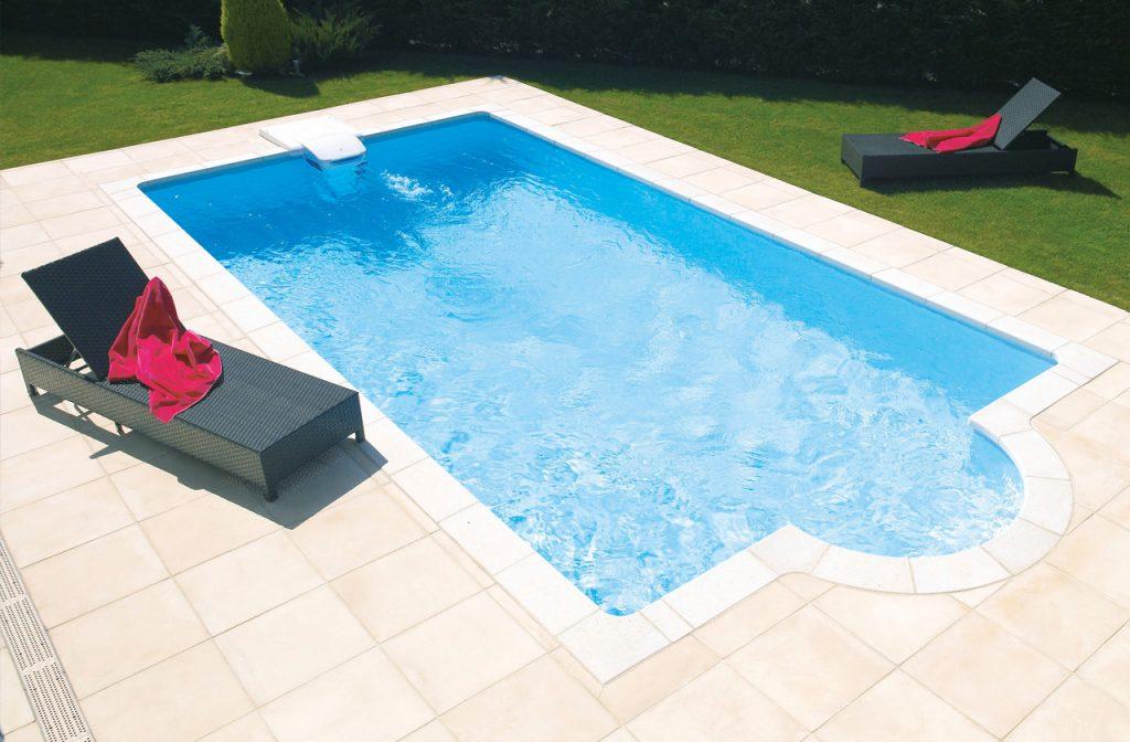 Wasser in Pool einlassen
