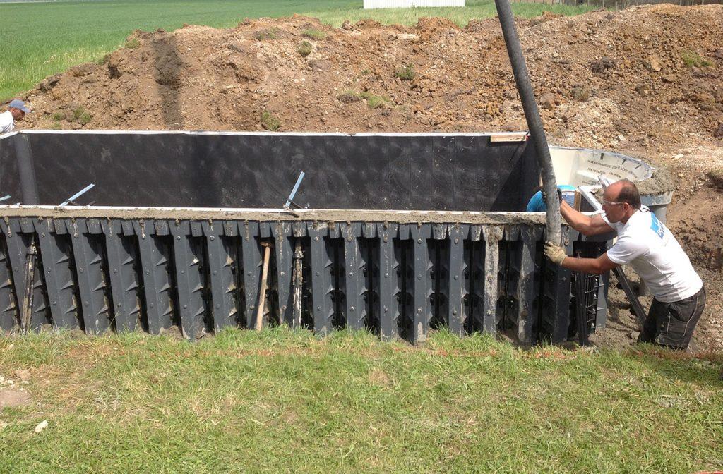 Pool mit Beton ausgießen