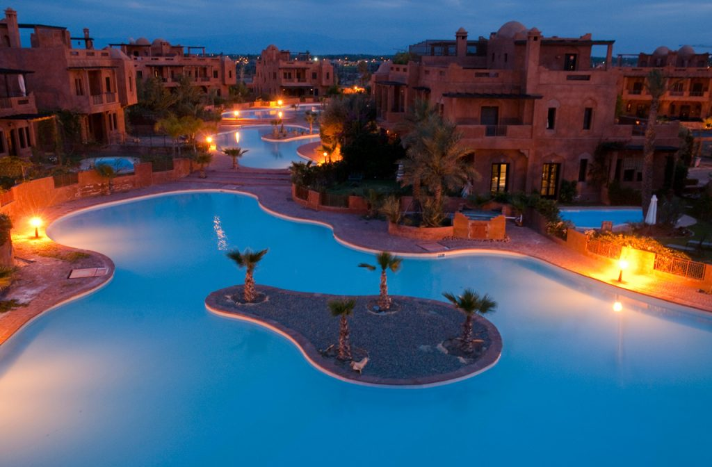 Beleuchtete Pools Hotelanlage