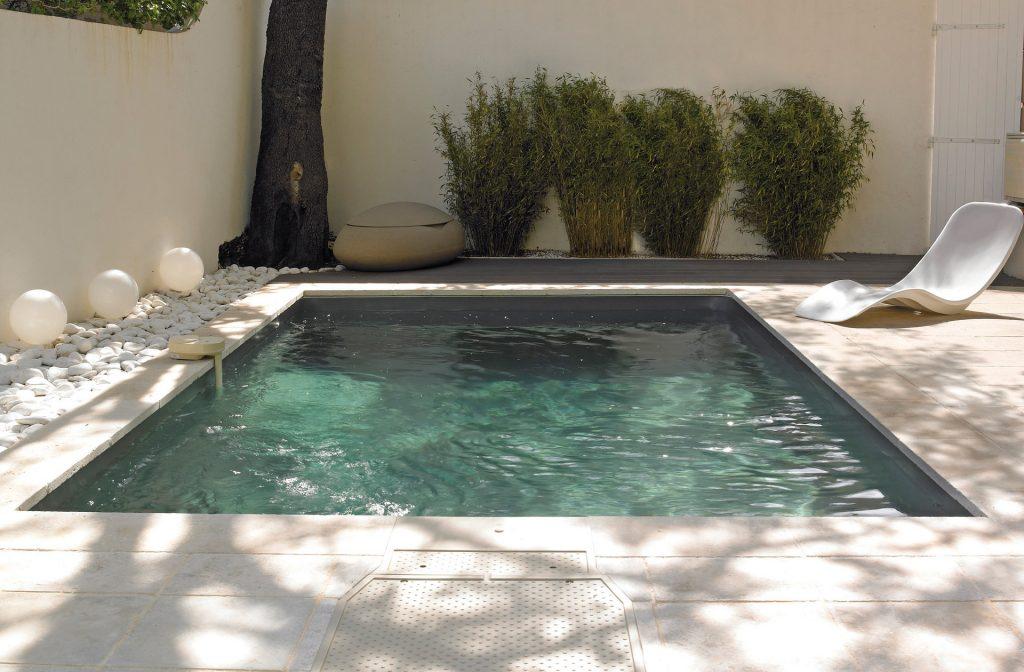 Pool im Innenhof 5 m x 3 m