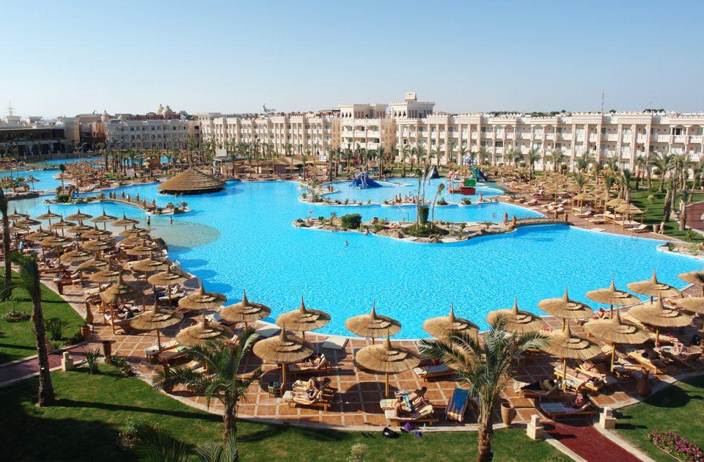 XXL Pool Urlaubshotel