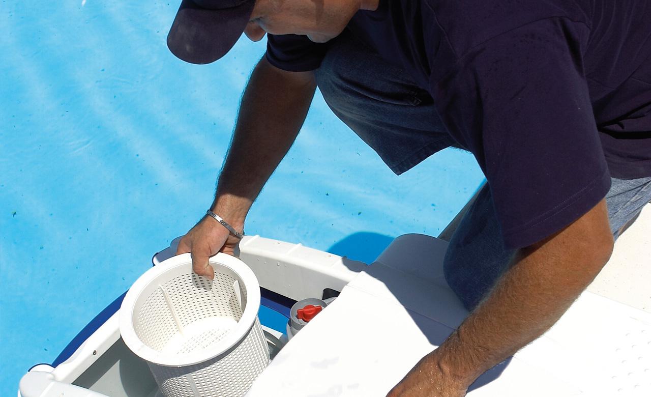 Faq poolpflege reinigung desjoyaux pools for Gartenpool komplettangebot