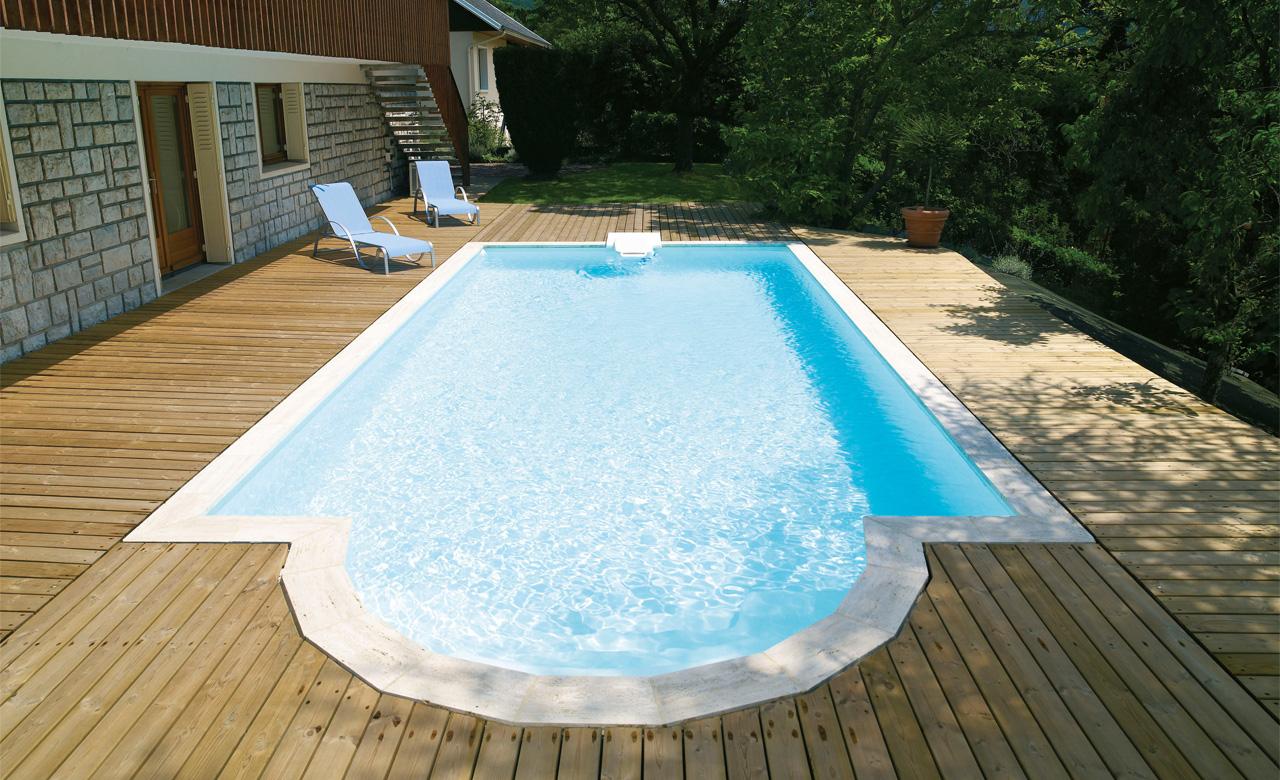 Pooltreppen desjoyaux pools for Pool komplettangebot
