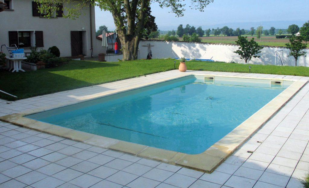 Pool vor der Renovierung